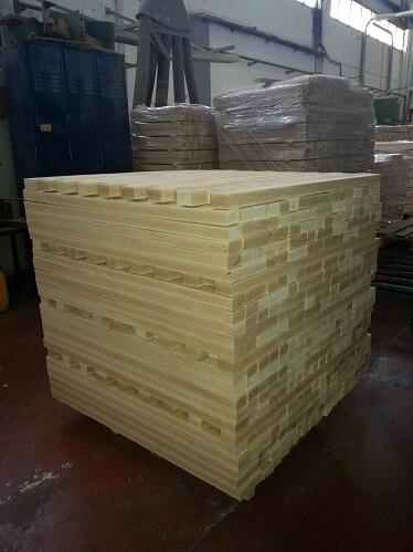 אלמנטים מעץ בוק - יבוא עץ לארץ