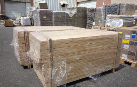 פרופילים של עץ אורן - אספקת עץ לתעשייה