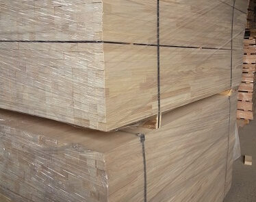 פרופיל עץ אורן בחיבור פינגר ג'וינט