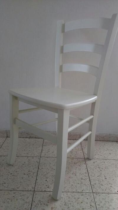 כסא עץ בוק לפינת אוכל בצבע שמנת