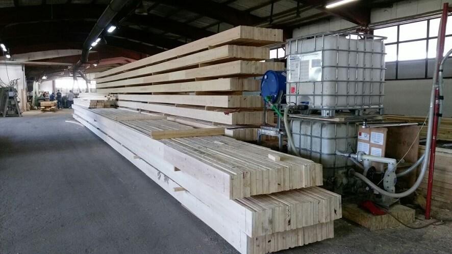 קורות עץ לבן - חיתוך לפי מידה