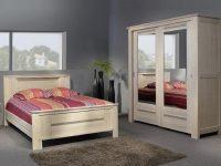 oak bedroom - double oak bed
